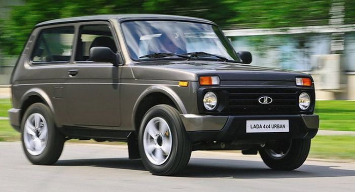 Russian_Lada_Expands_Europe_Opening_New_Shop_Hungary