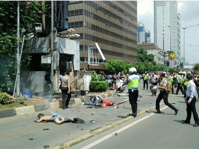 Indonesia_Capital_Jakarta_Gunfire_Terrorist_Attack_Casulties