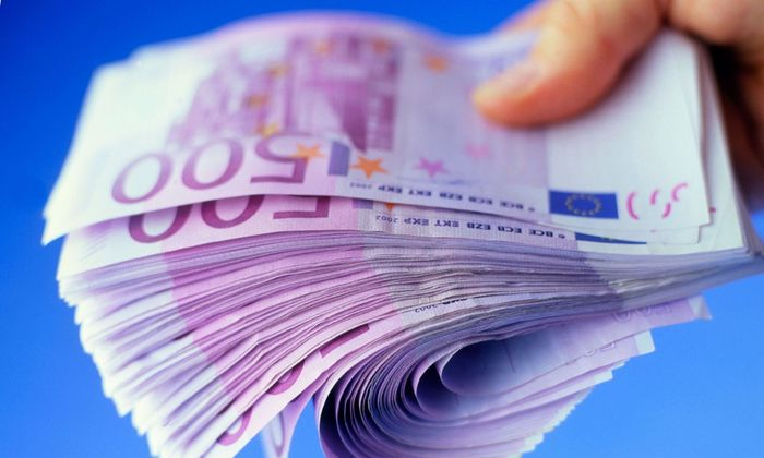 500_Euro_100_Dollars_Banknotes_Abolition