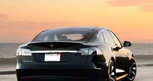 Tesla_Model_S_Electric_Vehicle_Owner_Fined_Singapore_Excessive_Emissions