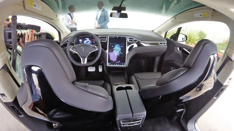 Electric_Vehicle_Tesla_Model