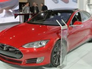 Tesla_Model_S_Receive_Version_75_kWh_Battery_Better_Autonomy