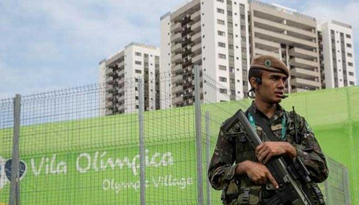 Sportsmen_Olympic_Village_Rio-de-Janeiro_Persue_Everyday_Thefts