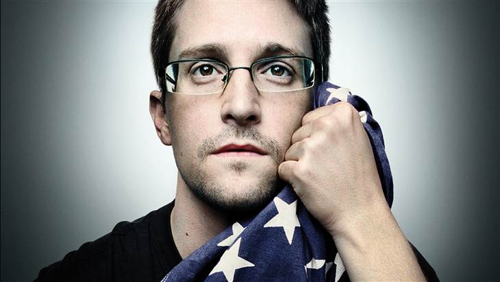 """Tell_Snowden_that_he_has_rendered_the_country_a-great_service – let's_coming_home!..."""