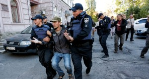 The_Kiev_authorities_tried_to_prevent_elections_in_the_Russian_Embassy_by_the_hands_of_the_nationalists