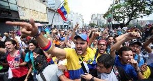 In_Venezuela,_thousands_of_people_took_to_the_streets_to_demand_the_resignation_of_President