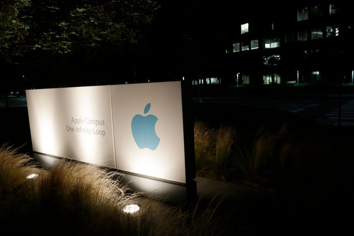 WikiLeaks_Publications_Unveiled_Apple_Lies_Personal_Data_Protection