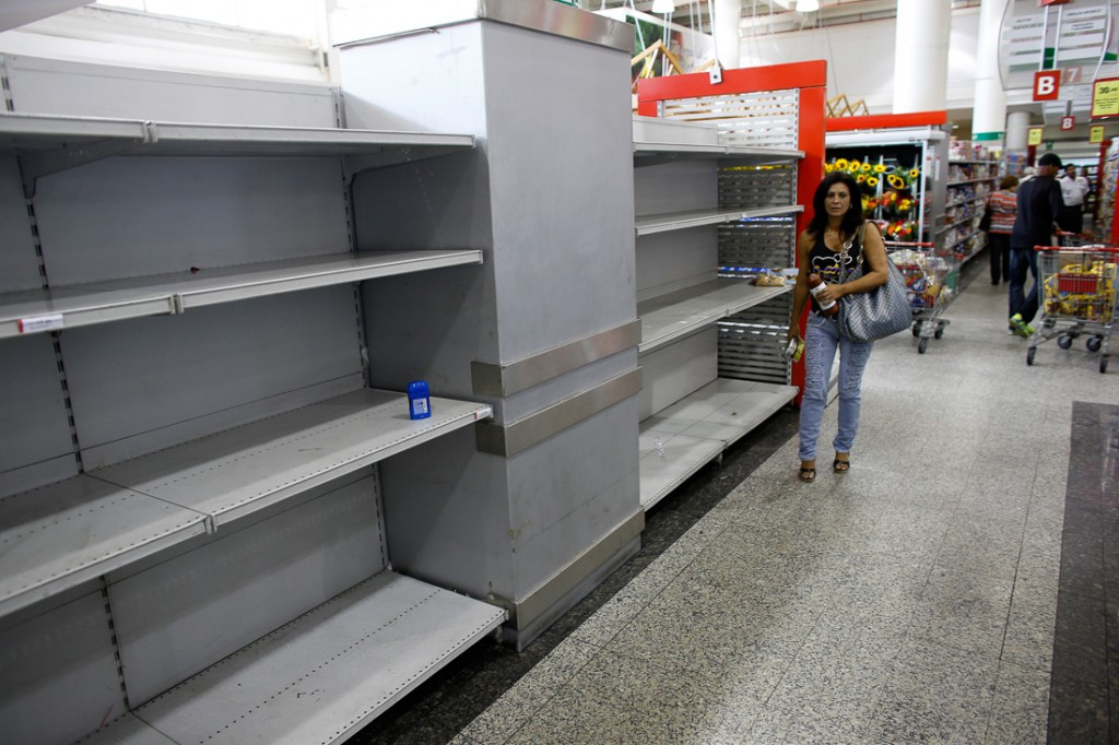Imports_to_Venezuela_have_collapsed_by_two_thirds