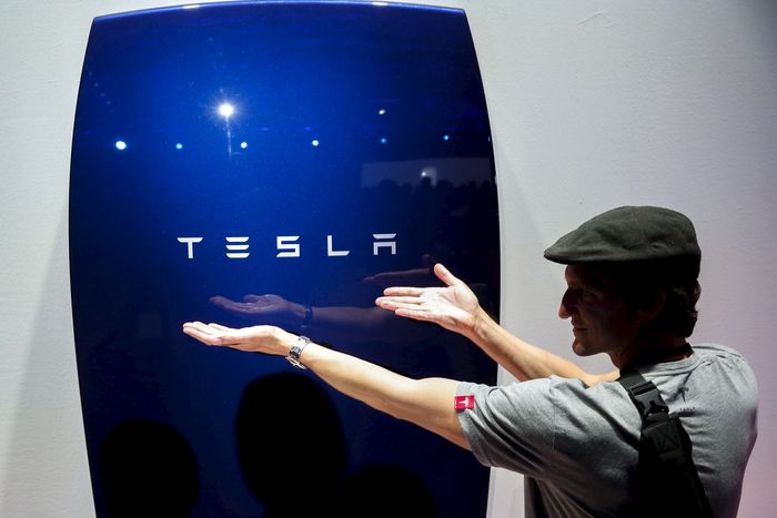 Energy_Dream_Tesla_Version_Announced_PowerWall_Battery_Myth_Reality