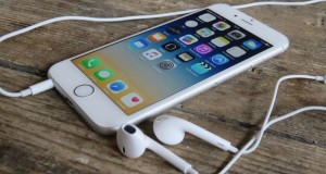 Mini-Iphone_Cancelled_Apple_Postponed_Release_4_Inches_Smartphone_SE_2017