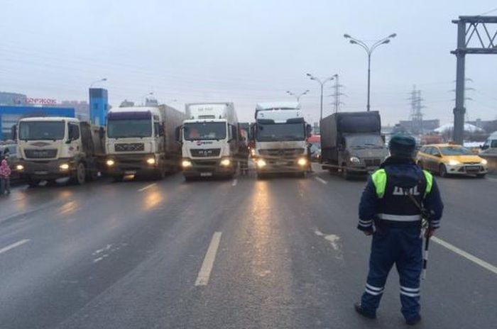 Russian_Government_Analysys_Perspectives_Wide_Platon_System_Small_Trucks_Under_12_Tonns