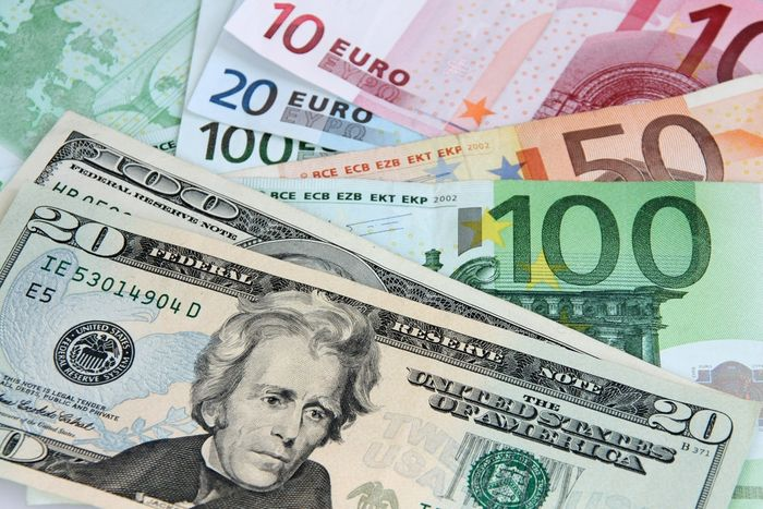 US_Dollar_Euro_Finance_Prognosis_After_Trump_Victory_Vary