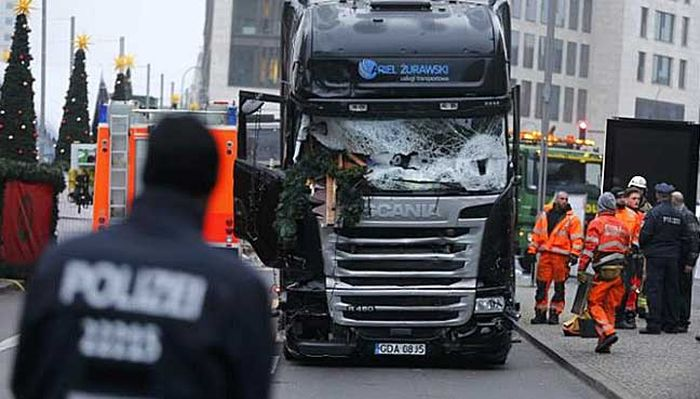 External_Brake_System_Scania_Truck_Saved_Lives_Terrorist_Attack_Berlin_19_December_2016