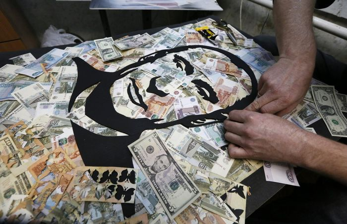 Russian_Ruble_Stay_Stable_January_Holidays_Experts_Say