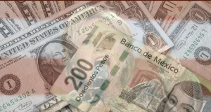 The_Mexican_peso_fell_to_a_historic_low_to_the_U.S._dollar