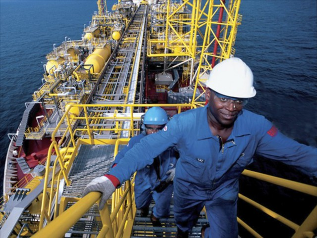 Angola_has_overtaken_Nigeria_and_became_an_oil_producer_No._1_in_Africa