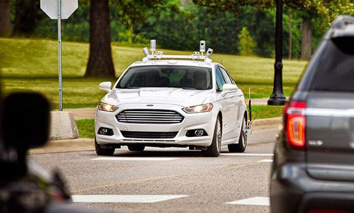 Ford_Argo_AI_Autopiloted_Cars_Project_Use_Google_Uber_Developments