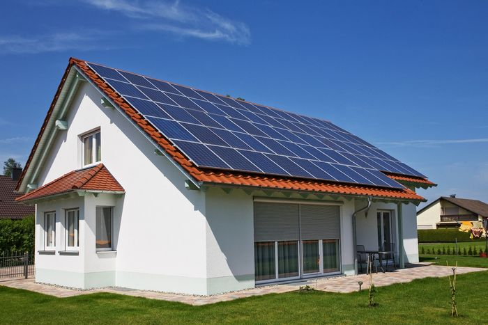 Homeowners_Russia_Will_Become_Producers_Suppliers_Green_Electricity