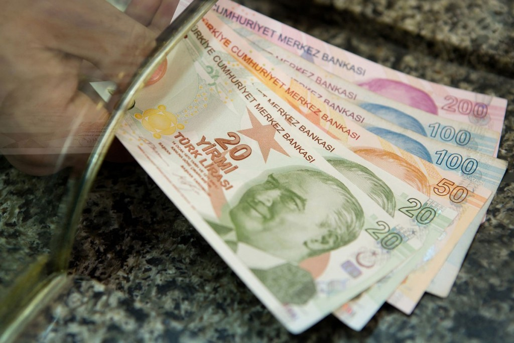 For_three_months,_the_Turkish_Lira_lost_15%_of_its_value