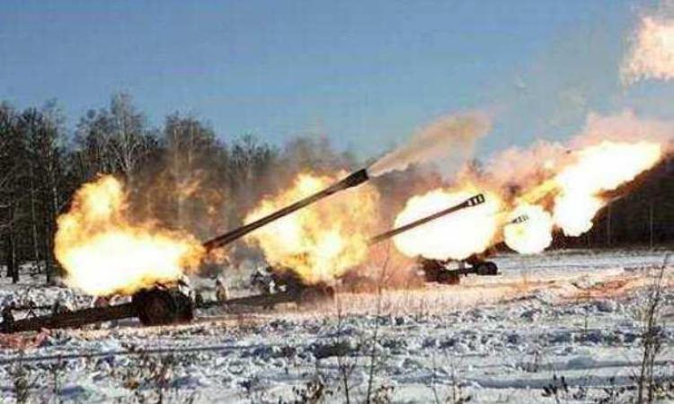 Donetsk_again_in_the_fire_and_smoke._Working_artillery_APU