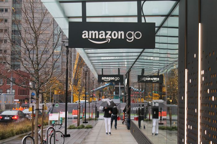 Amazon_Go_Fully_Automated_SHops_Without_Sellers_Cashiers_Delayed
