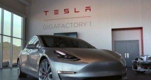 Tesla_Trying_Attract_Invetors_Money_Start_Mass_Production_Budget_Electric_Car_Model_3