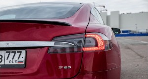 US_Electric_Cars_Maker_Tesla_Open_Official_Show-Rooms_Services_Russia