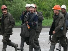 Starving_miners_are_demanding_wage