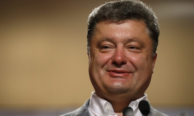 Stay_under_cover,_or_Why_Poroshenko_fake_passport?