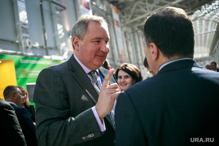 Rogozin_has_captivated_the_media,_Mutko_waits,_but_Medina_is_friends_with_enemies