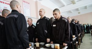 Cutlets_with_pureskill_for_70_rubles._Prisons_of_St._Petersburg_opened_the_menu
