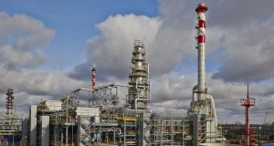 The_lawyer_could_not_stand_the_oil_refining