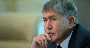 Ex-President_of_Kyrgyzstan_surrounded_by_arrests
