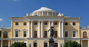 Night_drinking_in_the_Pavlovsk_Palace_with_the_removal_of_priceless