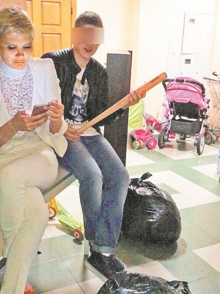 """A_mother_of_many_children_from_Samara_""""squeezed_out""""_the_apartment_of_Muscovites_with_the_help_of_children"""