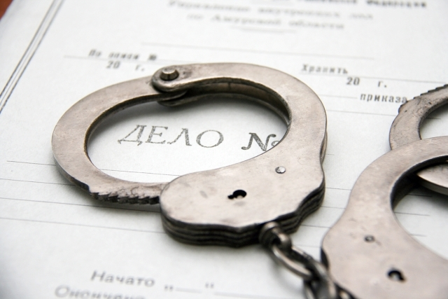Prosecutors_and_the_FSB_clean_the_transport_cloaca_of_Saratov,_rolling_up_his_sleeves