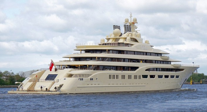 Alisher_Usmanov_has_sold_its_second_yacht
