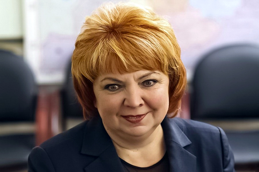 Deputy_Maksimova_proposed_to_introduce_a_tax_on_the_grandmother's_garden
