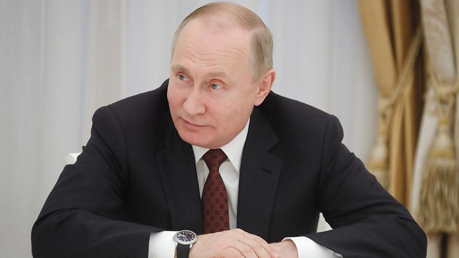 Putin_proposed_to_instruct_the_Prosecutor's_office_to_search_for_foreign_accounts_officials