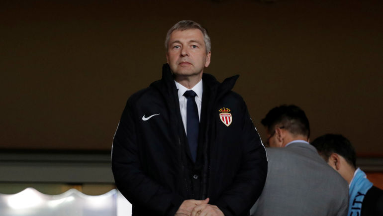 Le_Monde_reported_the_detention_of_Russian_billionaire_Rybolovlev