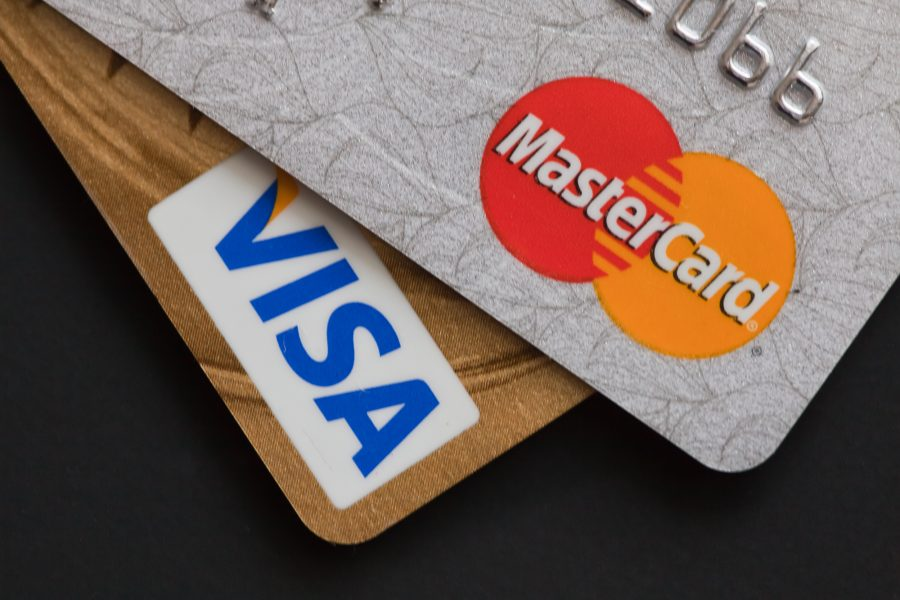 Retailers_asked_to_file_a_case_against_Visa_and_Mastercard_due_to_high_fees