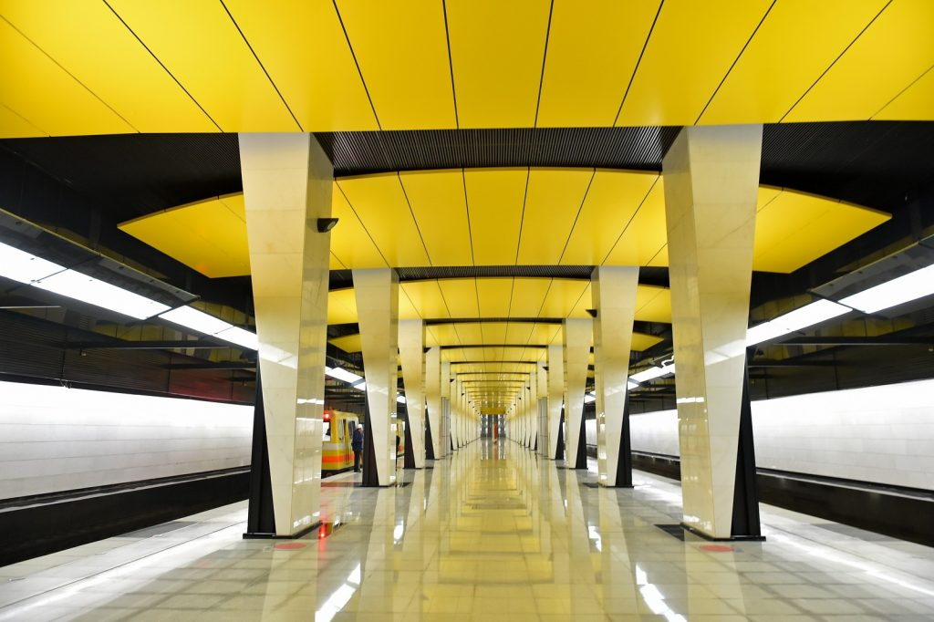 Due_to_a_failure_in_the_Moscow_metro_on_the_stretch_stopped_three_trains
